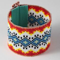 Items similar to Truth or Concequences Bead Loom Cuff Bracelet Native American Style Beaded Jewelry Boho Tribal Beadweaving Southwestern Black Copper on Etsy Native American Patterns, Native American Fashion, Bead Loom Bracelets, Woven Bracelets, Loom Patterns, Beading Patterns, Boho Jewelry, Beaded Jewelry, Tear