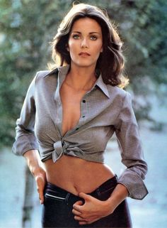 Lynda Carter Wonder woman x Photograph no 2 Linda Carter, Gorgeous Women, Beautiful People, Wonder Woman, Famous Women, Famous People, Celebs, Celebrities, Gal Gadot