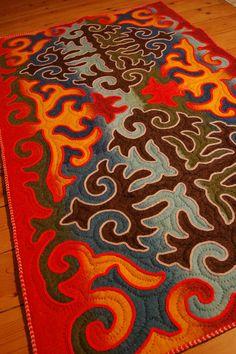 Multicoloured shyrdak felt rug | Unique rugs