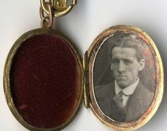 Items relating to Wallace Hartley, the musician who famously led the Titanic band to play on as the ship sank, have sold at auction for over £170,000 in total.