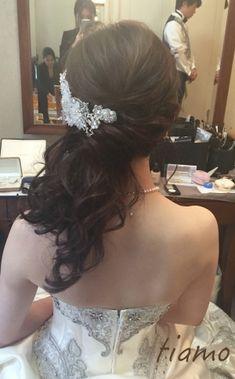 可愛い花嫁さま♡ドレスから色打掛へとチェンジの素敵ホテル婚 | 大人可愛いブライダルヘアメイク 『tiamo』 の結婚カタログ Down Hairstyles, Wedding Hairstyles, Bridal Hair Inspiration, Rapunzel Hair, Hair Arrange, Wedding 2015, Wedding Makeup, Wedding Styles, Hair Beauty