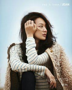 Shin Min Ah's fashion style