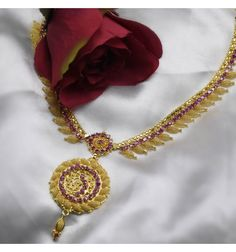 Beautiful Gold Plated Stone Leaf Net Necklace