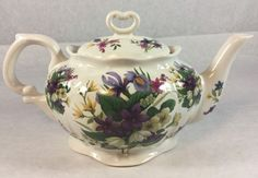 Crowne Oakes Designs New York NY Made In England Floral Teapot