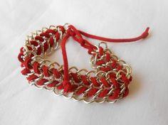 bracciale con catene argentate e alcantara rosso bracciale con alcantara rosso catene in metallo,alcantara lavorato a mano