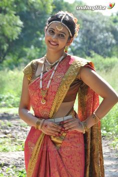 Latest Images Of Actress Rakul Preet  Images --> http://www.indiaglitz.com/telugu-Actress-Rakul-Preet-Singh---Actress-gallery-6521
