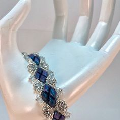 Tila SuperDuo Bands beaded pattern tutorial by Deb Roberti Diy Jewelry, Beaded Jewelry, Jewelry Making, Unique Jewelry, Beading Tutorials, Beading Patterns, Beaded Braclets, Bling, Bijoux Diy