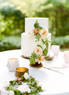 Cake Flowers   Tinge    Ben Christensen Photography    Click through to see more