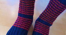 Det er flere som har spurt hvordan jeg strikker sokkene mine - og hvilket grunnmønster jeg bruker. Jeg bruker ikke noe mønster, jeg strikke... Socks, Fashion, Moda, Fashion Styles, Sock, Stockings, Fashion Illustrations, Ankle Socks, Hosiery