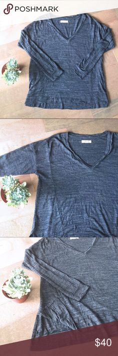 Madewell Grey V-Neck Top! Casual and cool! Soft v-neck, grey, long-sleeved top from Madewell. Has slits on both side seams as shown in picture for a cute look! Size XS Madewell Tops Tees - Long Sleeve