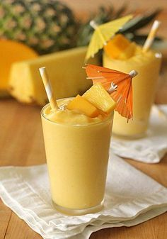 Splendid Smoothie Recipes for a Healthy and Delicious Meal Ideas. Amazing Smoothie Recipes for a Healthy and Delicious Meal Ideas. Mango Pineapple Smoothie, Smoothie Fruit, Smoothie Drinks, Healthy Smoothies, Healthy Drinks, Mango Smoothies, Healthy Food, Dole Pineapple, Pineapple Coconut