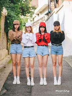 Friendship-goal Outfit Ideas based on Korean Style via Twinning with your girlfriends via Marishe Korean Fashion Trends, Korean Street Fashion, Korea Fashion, Kpop Fashion, Cute Fashion, Asian Fashion, Girl Fashion, Fashion Looks, Fashion Outfits