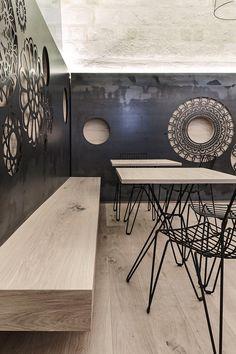 Contemporary wall decoration: Ridola Caffè by Manca Studio in Matera, Italy. Design Commercial, Commercial Interiors, Design Rustique, Italian Cafe, Café Bar, Contemporary Wall Decor, Cafe Interior, Cafe Design, Restaurant Design