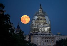 """When the """"Full Cold Moon"""" rises on Dec. 3, it will also be the first and last """"supermoon"""" of 2017."""