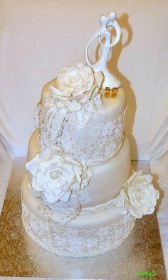 wedding cake with roses - svadobná torta s ružami