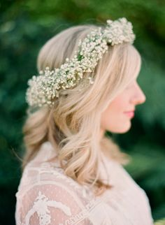 Taylor Sterling's Baby Shower | theglitterguide.com flower crown for baby shower