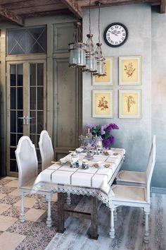 Стиль прованс в интерьере квартиры и загородного дома: 80 идей для изысканной простоты вне времени (фото) http://happymodern.ru/stil-provans-v-interere-izyskannaya-prostota-vne-vremeni-43-foto-idej/ Как видно на дизайн-проекте, для прованса характерно отсутствие хромированных или пластиковых элементов меблировки, современной фурнитуры и атрибутов