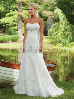 Modest Empire Waist Bridal Gowns Lace Sweetheart Sleeveless Beading Appliques Under 1000 Wedding Dresses