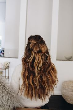 schöne Balayage Haare und Frisuren The most beautiful hairstyles and hair for balayage hairstyles and hair from blonde to dark brown. Summer Hairstyles, Cool Hairstyles, Hairstyles Videos, Cute School Hairstyles, Baddie Hairstyles, Homecoming Hairstyles, Beautiful Hairstyles, Everyday Hairstyles, Formal Hairstyles