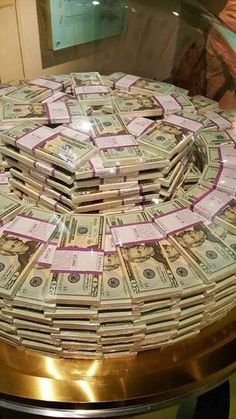 My money private museum in my own house only! Cash Money, My Money, Way To Make Money, Extra Money, Make Money Online, Money Girl, Money Shop, Money On My Mind, Money Pictures