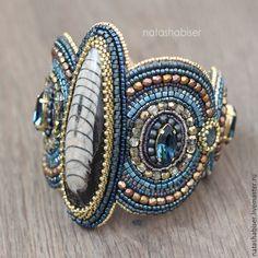 Купить Браслет с натуральными камнями, вышивка бисером (0390) - тёмно-синий, синий, браслет