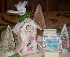 Karla's Cottage: Short cuts and tips on blinging up a birdhouse
