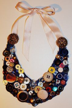 DYI necklace-old jeans and unused buttons