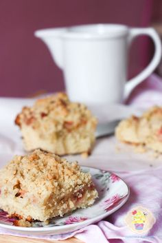 sweet cake with rhubarb Sweet Cakes, Cereal, Food And Drink, Eat, Breakfast, Recipes, Kitchen, Morning Coffee, Cooking