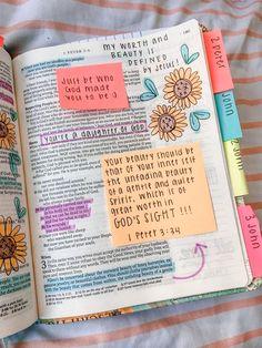 Bible Study Journal, Scripture Study, Bible Art, Bible Journaling For Beginners, Bible Drawing, Bible Doodling, Bible Verses Quotes, Bible Scriptures, Woman Bible Quotes