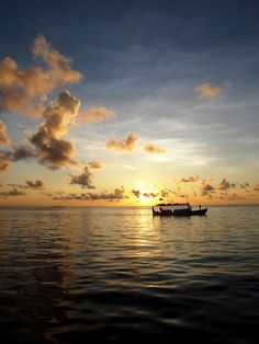 Al Barefoot Hotel - maldive vengono organizzate tutti i giorni numerose escursioni per esplorare gli habitat di queste lontane isole... www.gitanviaggi.it