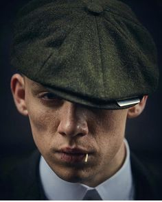 John Shelby🔫 shared by Katharine on We Heart It Peaky Blinders Saison, Peaky Blinders Poster, Peaky Blinders Wallpaper, Peaky Blinders Series, Peaky Blinders Quotes, John Shelby Peaky Blinders, Peaky Blinders Thomas, Cillian Murphy Peaky Blinders, Series Poster