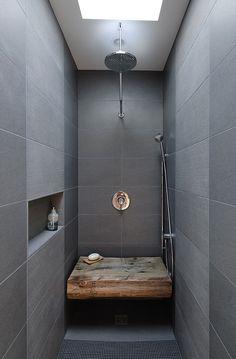 Douche design gris et bois