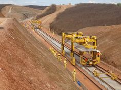Presidenta Dilma visita, hoje, obras da Ferrovia Transnordestina no Piauí http://blog.planalto.gov.br/presidenta-dilma-visita-obras-da-ferrovia-transnordestina-no-piaui/… via @blogplanalto