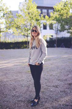 Sweatshirt og loafers