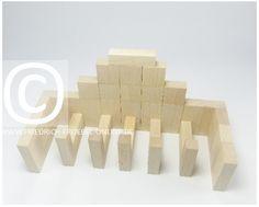 Lebensform (nach Marenholtz-Bülow) mit den Holzbausteinen der Spielgabe 6 nach Froebel -> Pferdestall