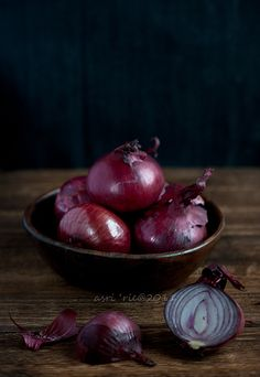 red onion  photo by Asri on Flickr