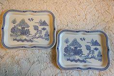Vintage 1950s Blue Willow Metal Tip Trays Pair for Display Trinkets Soaps Snacks by BlackRain4