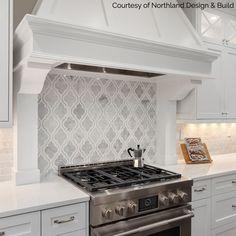 Modern Kitchen Cabinets, Kitchen Redo, Kitchen Tiles, Kitchen Flooring, Kitchen Tile Designs, Gray Kitchen Backsplash, Kitchen Styling, Kitchen Interior, Stove Backsplash