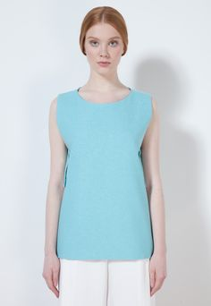 OPEN-SIDED SLEEVELESS TOP