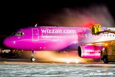 De-iceing of #Wizzair #Airplane. #AirportGdansk, #Airport. photo: Jakub Nanowski