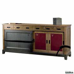 Mueble de silvestre industrial realizado en madera maciza de tilo y cerezo silvestre. Acabado laca gris martele, laca y roble antiguo. Precioso diseño que combina la elegancia y la sofisticación del clásico actualizado más contemporáneo de gran funcionali