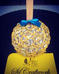 Maça decorada em chocolate com efeito renda