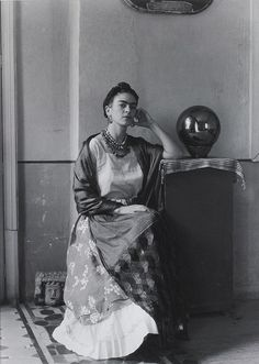 gandalf1202:  Manuel Álvarez Bravo - Frida Kahlo [1930s] on Flickr.Manuel Álvarez Bravo (Mexico City, February 4, 1902 - Mexico City, October 19, 2002)