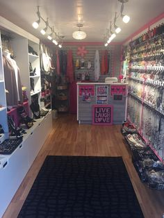 Inside the Bedazzle Me Pretty Mobile Fashion Boutique Boutique Interior, Boutique Decor, Mobile Boutique, Fashion Boutique, Mobile Shop, Boutique Ideas, Paparazzi Display, Paparazzi Jewelry Displays, Paparazzi Accessories