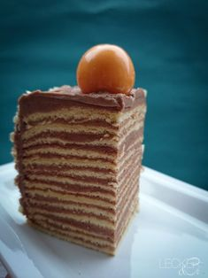 These recipes that have been passed down from great-grandmother to grandmother etc. Such a recipe is this Dobosch cake and yesterday I was able to learn Sicilian Recipes, Turkish Recipes, Greek Recipes, Baking Recipes, Dessert Recipes, Cake Recipes, Romanian Food, Romanian Recipes, Torte Cake