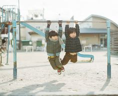 Hideaki Hamada is my most favorite photographer. His photograph reminds me of my childhood.
