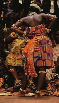 fortheadvancementofblackbeauty: fckyeahprettyafricans: Ghanaian traditional attire