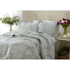 Laura Ashley Rowland 3-piece Quilt Set - Overstock™ Shopping - Great Deals on Laura Ashley Quilts