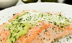 Low Carb Recipes, Vegetarian Recipes, Healthy Recipes, Sauce Crémeuse, Thermomix Desserts, Looks Yummy, Fish And Seafood, Salmon Recipes, Main Meals