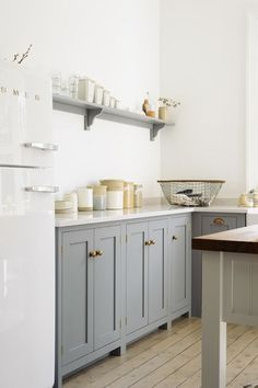 Country Style Kitchens from the U.K. - Town & Country Living